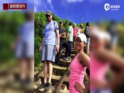 奥巴马夏威夷度假 徒步者与奥巴马及特工自拍