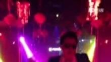 #Gaga_Club 现场即传视频#    错过了现场精彩绝伦的表演没关系,贴心的Gaga Club为您献上。[围观]全体欢迎阳春 _鸟叔_   <江南style>!   定坐热线:0662-6169333(来自拍客手机客户端 下载地址:http://video.sina.com.cn/app/sinapaike.html)