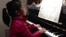 孩子们的拜厄:双手练习第15条(来自拍客手机客户端 下载地址:http://video.sina.com.cn/app/sinapaike.html)