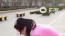 d332学走路(来自拍客手机客户端 下载地址:http://video.sina.com.cn/app/sinapaike.html)