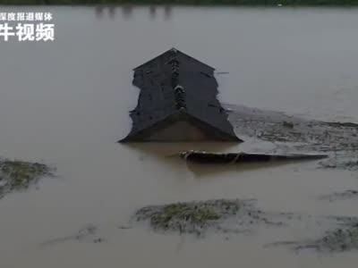 #全椒县滁河爆破泄洪后现场直击#,村民:能保住更多地方是大事