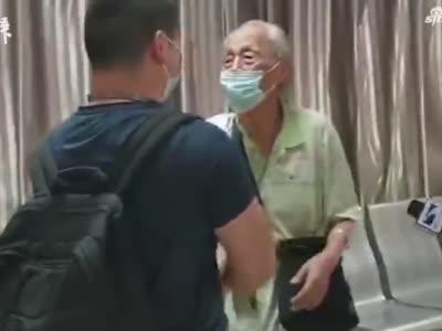 时隔6个月87岁老人与援鄂医生重逢,又看了一次夕阳