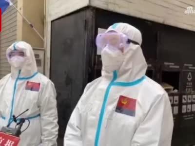 记者直击贵西小区疫情防控现场:两个80后民警一天12小时逐户走访
